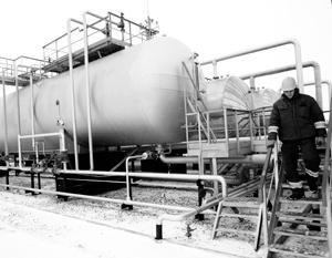 Газовые хранилища Украины по-прежнему заполнены российским газом, который Киеву перепродает Европа