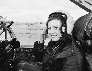 До сих пор единственной военной летчицей в России оставалась Светлана Протасова