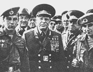 Советские генералы с ностальгией вспоминают учения «Запад-81», на которые маршал Устинов действительно собрал группировку в 100 тысяч человек