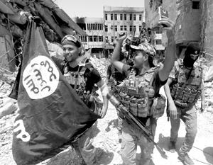 ВВС США эвакуировали более 20 полевых командиров ИГИЛ из-под носа сирийской армии