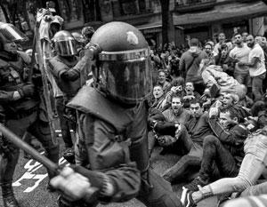 Жестокость испанских полицейских возмутила многих в Европе