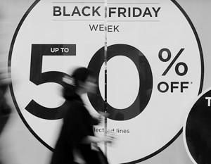 Начало глобальных распродаж вызывает пробки, давку и всплеск насилия