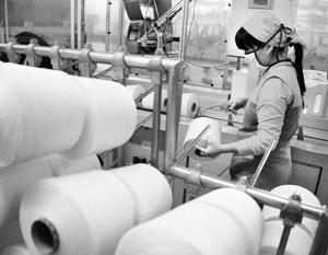 Российскому легпрому поможет выпуск импортной одежды по контракту