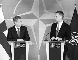 Финляндия все чаще посматривает в сторону НАТО (на фото – финский президент Ниинистё и генсек НАТО Столтенберг на очередной встрече в Брюсселе в 2016 году)