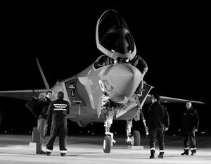 Вопреки надеждам США, истребитель пятого поколения F-35 так и не стал «невидимкой», да и летать на больших высотах пока не научился