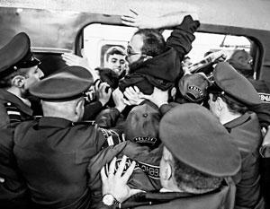 Участники ереванского «майдана» пытаются заблокировать работу метро