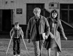 Критика фильма «Временные трудности» объединила даже абсолютных антиподов
