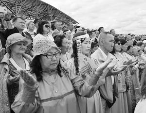 Жители Якутии на празднике Ысыах