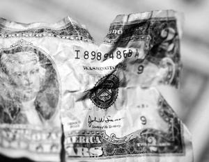 Центробанк снижает зависимость россиян от доллара