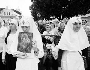 Сотни тысяч людей, вышедших в Киеве на крестный ход, опровергли домыслы Порошенко
