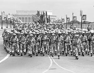 Последний раз масштабный военный парад в США принимал Джордж Буш – старший 27 лет назад