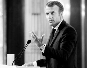 Президент Макрон выступает перед французскими дипломатами