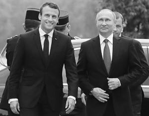 С момента избрания Макрон вел себя уважительно по отношению к Путину