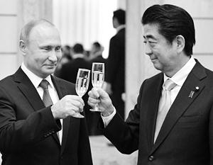 Уже во вторник Владимир Путин и Синдзо Абэ смогут поднять бокалы втроем – с Си Цзиньпином