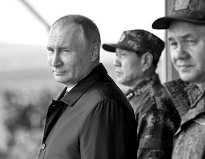 Китайский министр обороны Вэй Фэнхе на учениях в России вместе с Владимиром Путиным и Сергем Шойгу