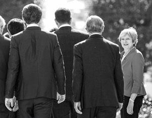 Все меньше британцев видят премьером Терезу Мэй