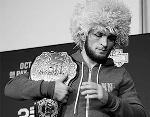 Из-за массовой драки после боя чемпионский пояс Нурмагомедову так и не вручили
