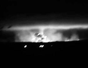 На Украине горит и взрывается склад боеприпасов. Людей эвакуируют. Закрыто воздушное пространство