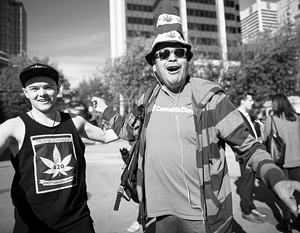 Канада рассчитывает озолотиться на марихуане