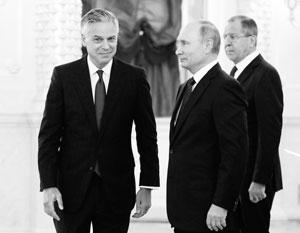 Посол Джон Хантсман после вручения верительных грамот Владимиру Путину