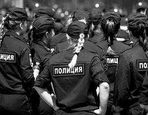 Слабый пол постепенно укрепляется у власти – число женщин в МВД растет