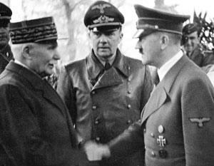 Фигура Маршала Петена (слева) до сих пор вызывает споры во французском обществе