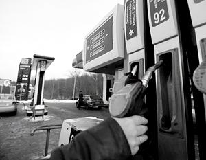 Заморозка цен на бензин привела к схватка Сечина с независимыми АЗС