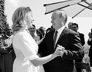 Танец Владимира Путина и Карин Кнайсль вызвал явное раздражение у заокеанских стратегов