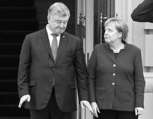 Петру Порошенко не приходится расчитывать на помощь Запада для своего переизбрания