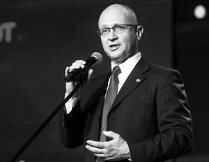 Более 90% россиян поддерживают волонтерство, констатировал Сергей Кириенко