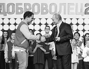 Президент отметил заслуги создателя проекта «Здоровое село» Антона Коротченко