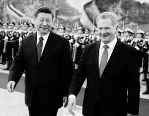 Президент Финляндии (справа) согласился помочь Канаде, но призвал «не трясти указкой» перед Пекином