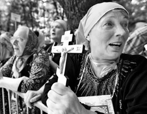 У верующих каноничной Украинской церкви остается все меньше защиты от рейдерских захватов храмов