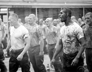 В процессе подготовки американским спецназовцам приходится проходить самые страшные испытания
