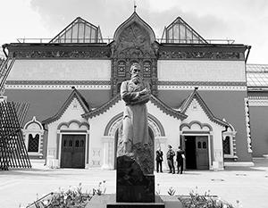 Павла Третьякова за сделанное им москвичи не просто любили, а практически боготворили
