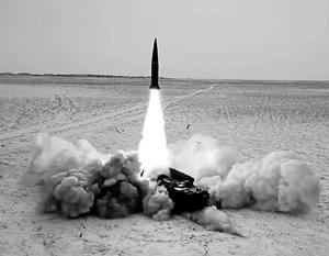 Пуск ракеты комплекса «Искандер» запечатлен видеокамерой – эта видеокамера почти наверняка иностранного производства