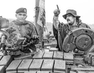 Мадуро лично инспектирует состояние вооруженных сил Венесуэлы