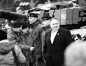 В Польше Майк Помпео посетил танковую бригаду НАТО