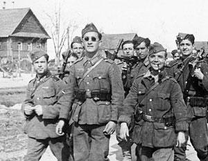 На стороне Гитлера воевало от 40 до 50 тысяч испанских добровольцев