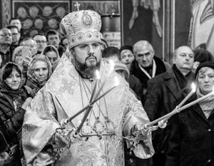 Пока глава ПЦУ Епифаний решает «проблему скамеек», его прихожане устраивают рейдерские захваты храмов канонической церкви