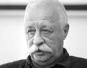 Леонид Якубович прокомментировал раздачу еды на Поле чудес, назвав это традицией