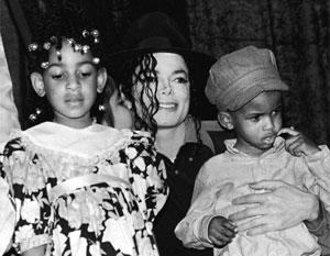Проблема «Майкл Джексон и дети» продолжает волновать западное общество