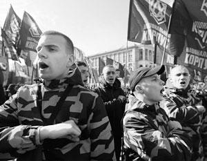 «Национальный корпус» пообещал стать незваной массовкой на митингах Порошенко – и срывать их