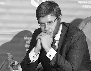Ушаков назвал решение об отставке кулуарным и слабым с юридической точки зрения, отказавшись покидать свой кабинет