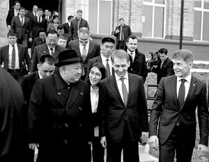 Ким Чен Ына встречали во Владивостоке с особой торжественностью