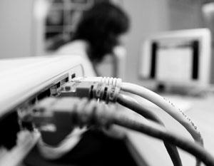Свобода слова в интернете, по мнению американских политиков, не право, а привилегия