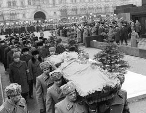 Фото:  Владимир Мусаэльян, Эдуард Песов/Фотохроника ТАСС