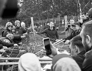 Волнения в Екатеринбурге сразу же попытались политизировать