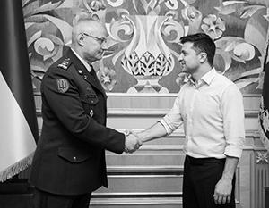 Руслан Хомчак (слева) имеет в украинской армии сомнительную репутацию