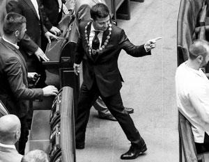 Первый кавалерийский наскок нового президента на старый парламент закончился фиаско